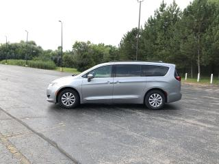 Used 2017 Chrysler PACIFICA TOURING-L FWD for sale in Cayuga, ON