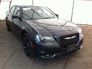 Used 2019 Chrysler 300 DUAL PANE SUNROOF, NAVIGATION, FACTORY REMOTE STARTER for sale in Ottawa, ON