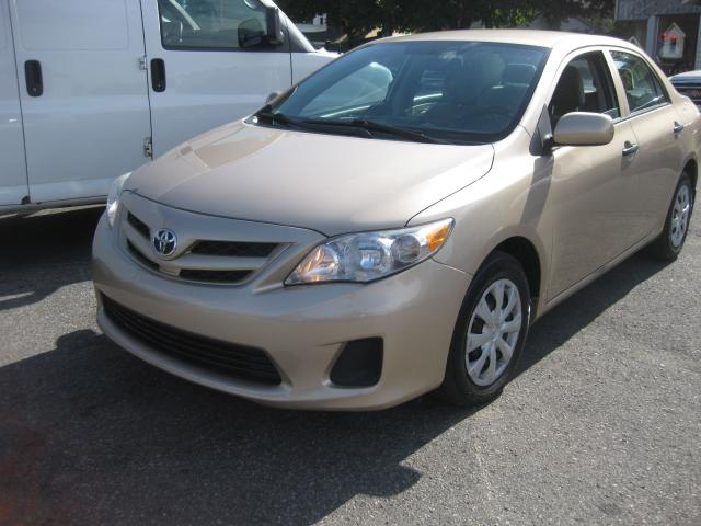 2012 Toyota Corolla Base 1.8L 4cyl FWD 5pass Automatic