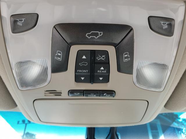 2012 Toyota Sienna LIMITED Photo19