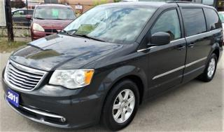 Used 2011 Chrysler Town & Country TOURING for sale in Hamilton, ON