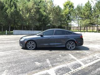 Used 2016 Chrysler 200 S AWD for sale in Cayuga, ON