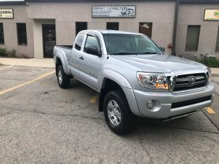 Used 2009 Toyota Tacoma SR5 4WD Access Cab V6 Auto,LEATHER,HEATED SEATS for sale in Burlington, ON