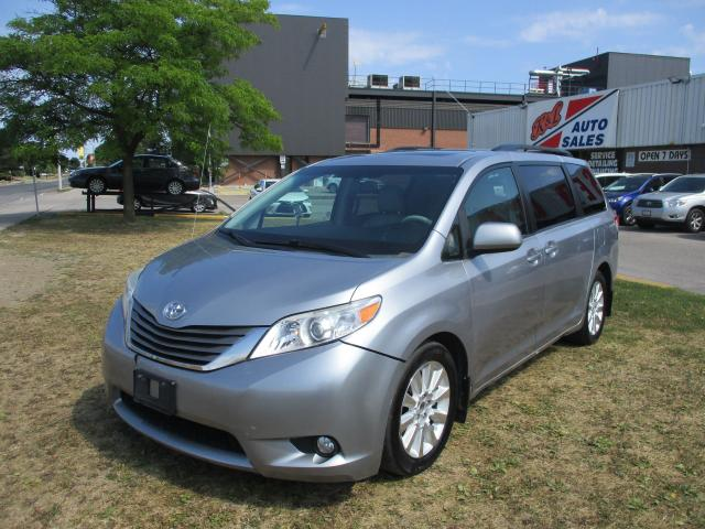 2012 Toyota Sienna XLE~LEATHER~SUNROOF~HEATED SEATS~