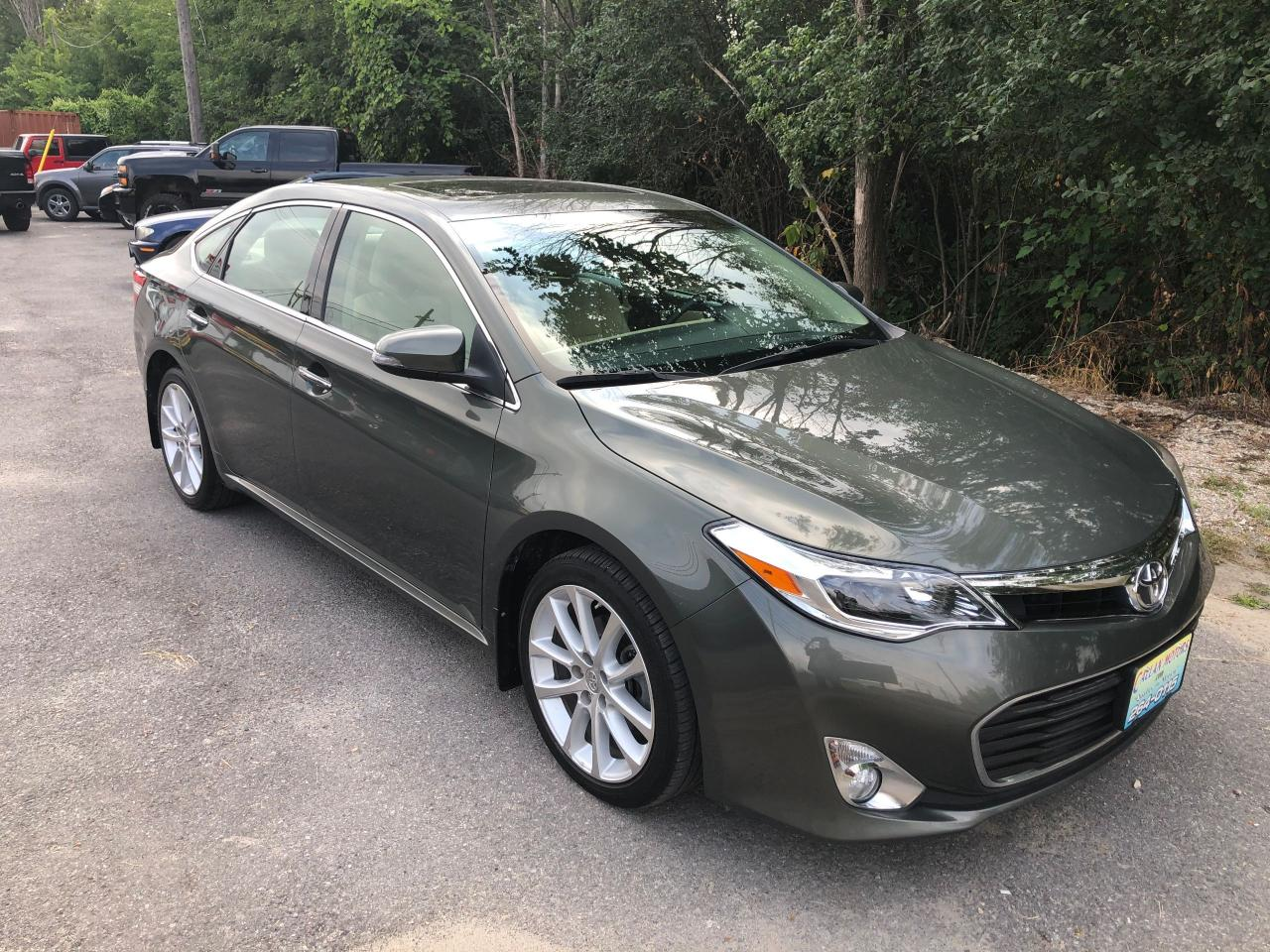 2013 Toyota Avalon XLE With Only 66300 km