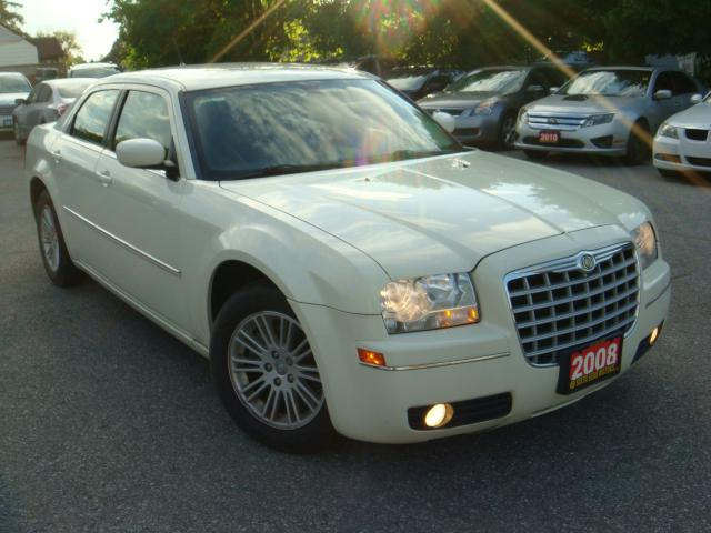 2008 Chrysler 300 Touring WITH SUNROOF
