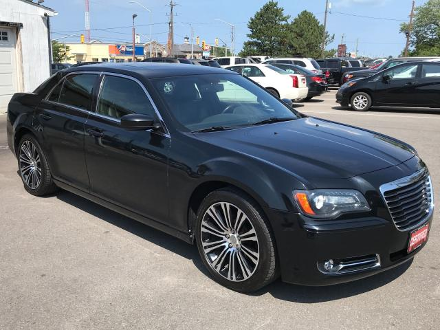 2012 Chrysler 300 S ** AUTOSTART, HTD LEATH, BLUETOOTH  **
