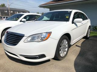 Used 2013 Chrysler 200 Touring for sale in Smiths Falls, ON