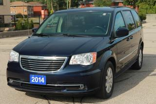 Used 2014 Chrysler Town & Country TOURING for sale in Waterloo, ON