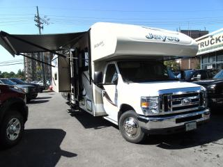 Used 2015 Ford Econoline 31-xl / bunk beds / 2 tip outs/generator for sale in Ottawa, ON