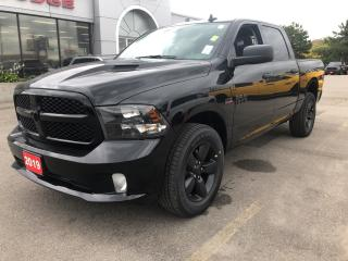Used 2019 RAM 1500 Classic Express Crew 4x4 V8 Blackout for sale in Hamilton, ON