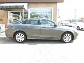 Used 2016 Chrysler 200 Berline 4 portes LX, traction avant for sale in Prevost, QC