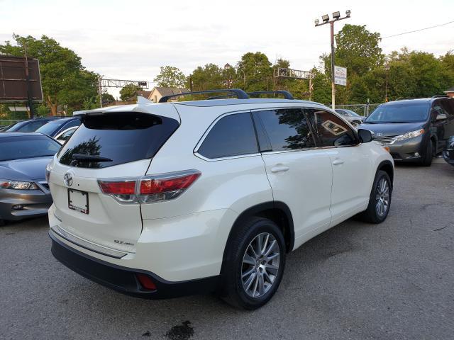 2015 Toyota Highlander XLE Photo4