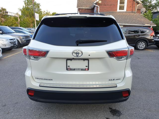 2015 Toyota Highlander XLE Photo5