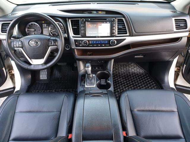 2015 Toyota Highlander XLE Photo20