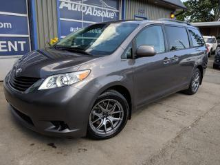 Used 2011 Toyota Sienna Le + awd + caméra for sale in Boisbriand, QC