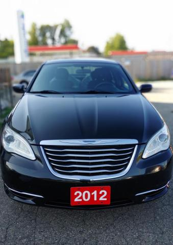 2012 Chrysler 200 LX LOW KILOMETERS,PRICED TO SELL REGARDLESS OF YOUR CREDIT SITUATION