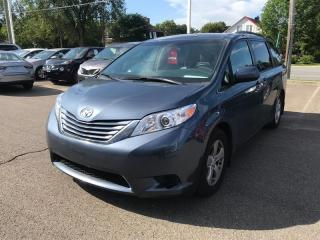 Used 2017 Toyota Sienna LE 8 PASSAGERS for sale in Québec, QC