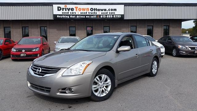 2011 Nissan Altima 2.5 S **ONLY 49,000KM**