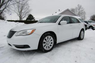 Used 2014 Chrysler 200 Berline LX 4 portes for sale in Thetford Mines, QC