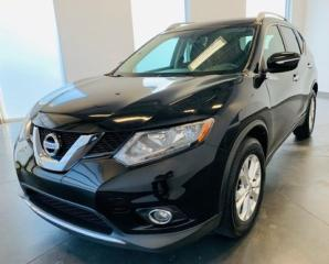 Used 2015 Nissan Rogue SV FWD || TOIT PANO || MAGS || CAMERA || BLUETOOTH SV FWD || TOIT PANO || MAGS || CAMERA || BLUETOOTH for sale in Brossard, QC