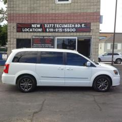 Used 2014 Chrysler Town & Country S for sale in Windsor, ON