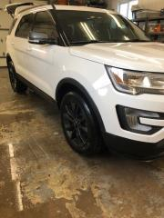 Used 2017 Ford Explorer XLT for sale in Sutton West, ON