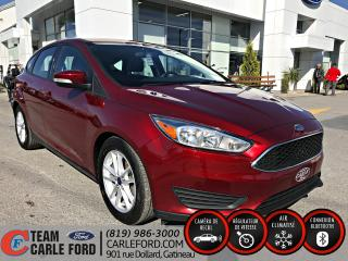 Used 2015 Ford Focus Ford Focus SE 2015, Toit ouvrant, blueto for sale in Gatineau, QC