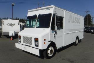 Used 2004 Grumman Olson P42 Workhorse 16 Foot Cargo Cube Van Dually Diesel for sale in Burnaby, BC