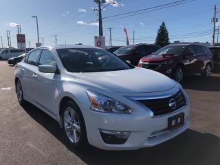 Used 2015 Nissan Altima 2.5 SV  - Sunroof -  Bluetooth - $118 B/W for sale in Ottawa, ON