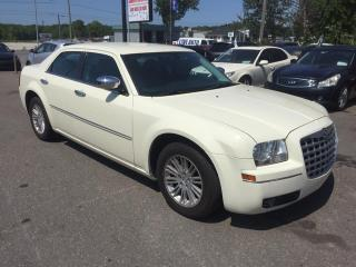 Used 2010 Chrysler 300 Berline 4 portes tourisme, traction arri for sale in St-Jérôme, QC