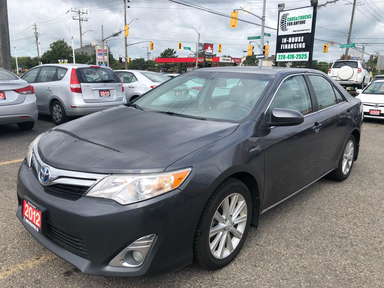 2012 Toyota Camry Hybrid l XLE l Nav l Sunroof l Weather Tech