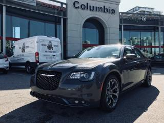 Used 2018 Chrysler 300 S - Accident Free / Back up Cam / Leather for sale in Richmond, BC