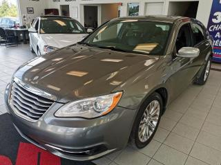 Used 2012 Chrysler 200 LIMITED / CUIR / TOIT OUVRANT / for sale in Sherbrooke, QC