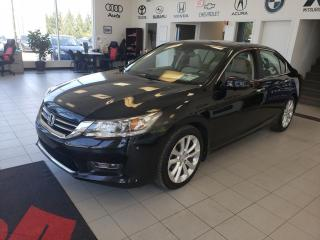 Used 2013 Honda Accord TOURING / CUIR / TOIT / NAVIGATION for sale in Sherbrooke, QC