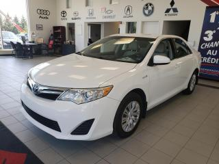 Used 2014 Toyota Camry Hybride HYBRIDE / LE / DEMARREUR A DISTANCE / for sale in Sherbrooke, QC