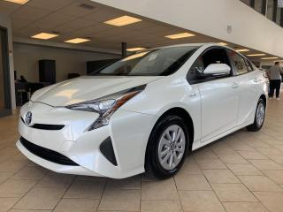 Used 2016 Toyota Prius Hybrid Hatchback Camera Recul for sale in Pointe-Aux-Trembles, QC
