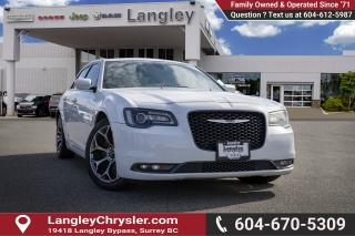 Used 2015 Chrysler 300 - Leather Seats -  Bluetooth for sale in Surrey, BC