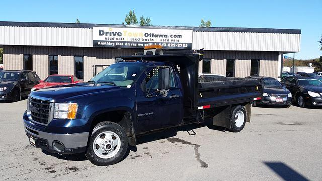 2009 GMC Sierra 3500 HD 4x4 11ft DUMP TRUCK