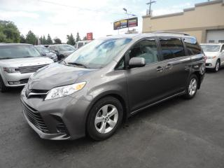 Used 2018 Toyota Sienna LE 8 Pass Navi Elec Doors Camera a vendr for sale in Laval, QC