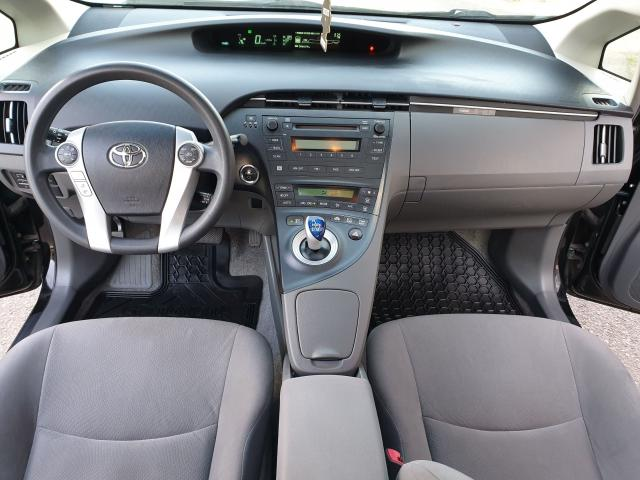 2010 Toyota Prius  Photo16