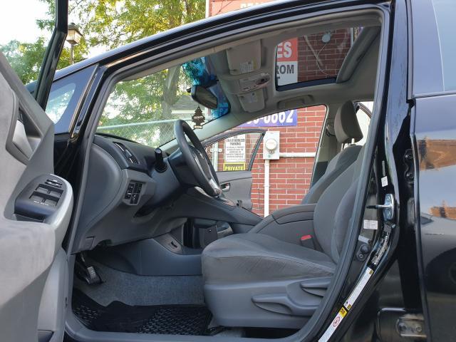 2010 Toyota Prius  Photo17