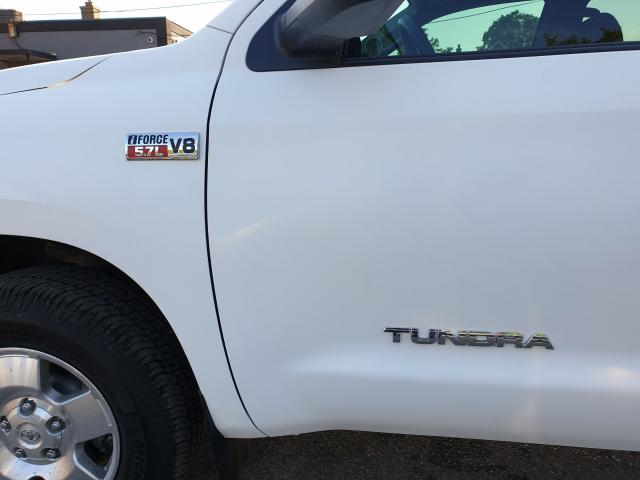 2011 Toyota Tundra SR5 Photo9