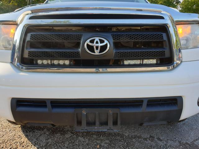 2011 Toyota Tundra SR5 Photo12