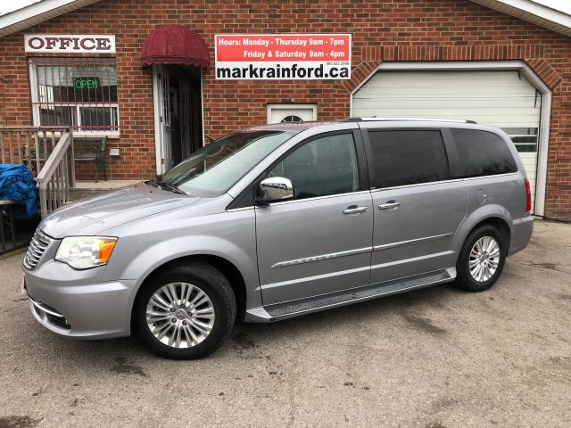 2013 Chrysler Town & Country Limited Sunroof Leather Dual DVD Nav Back Up Cam