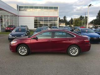 Used 2017 Toyota Camry LE for sale in Québec, QC