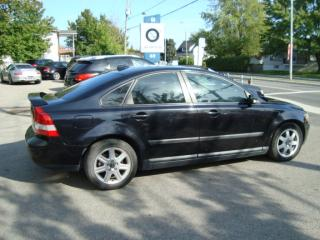 Used 2006 Volvo S40 2,4 l automatique toit ouvrant for sale in Ste-Thérèse, QC