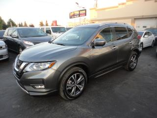 Used 2019 Nissan Rogue SV AWD Toit Pano Navi Démarreur for sale in Laval, QC