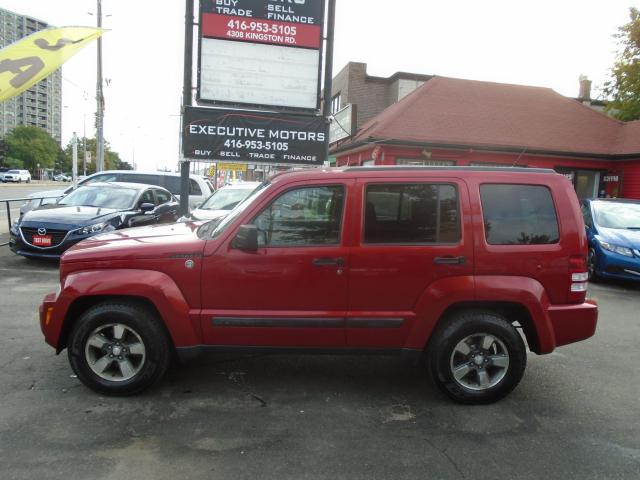 2009 Jeep Liberty Sport/ MINT / ALLOYS / 4X4 / NEW TIRES/ NEW BRAKES