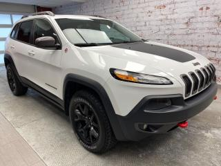Used 2016 Jeep Cherokee Trailhawk * CUIR * TOIT * FULL for sale in Sorel-Tracy, QC